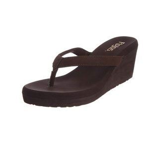 Flojos Wedge Sandal